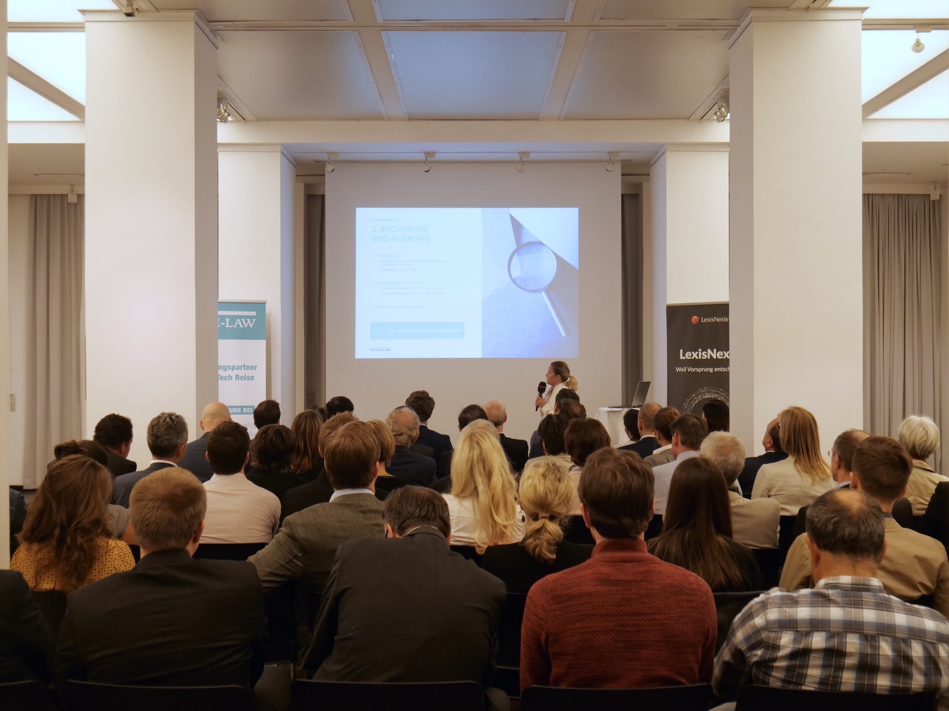 Vortrag Leinwand mit Publikum